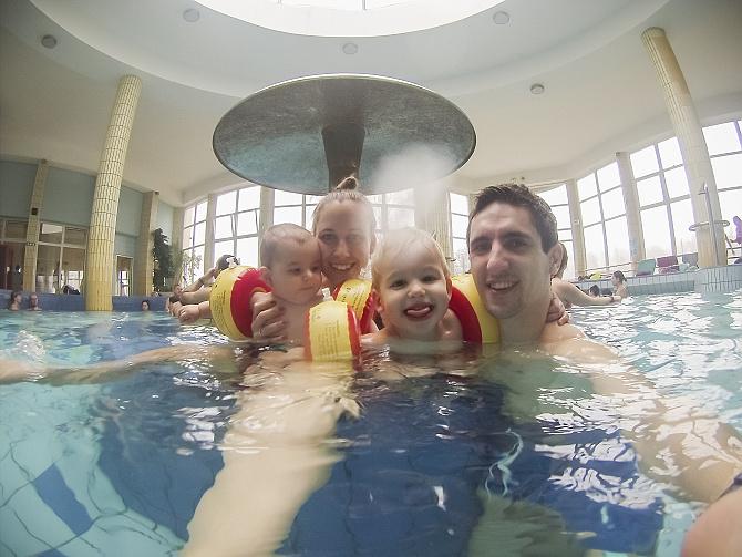 Vianočné plávanie