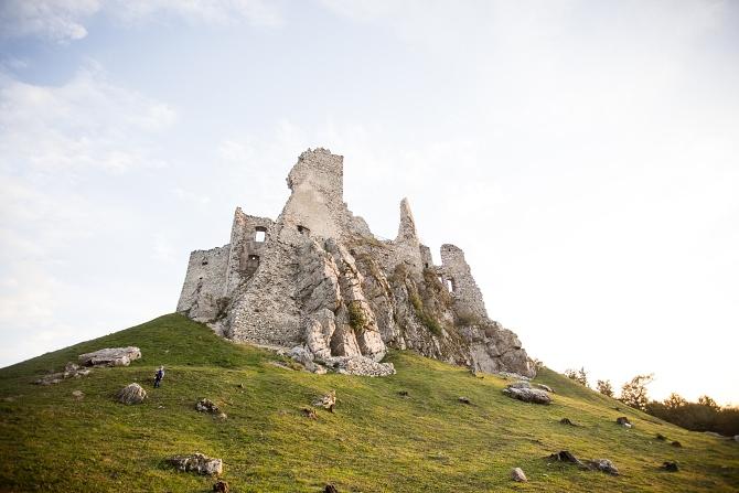 Hľadaj Damiána pod hradom